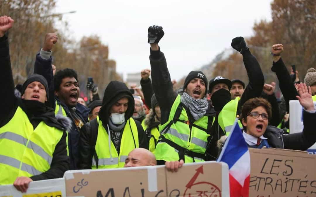 Какви са исканията на 'Жълтите жилетки' във Франция?