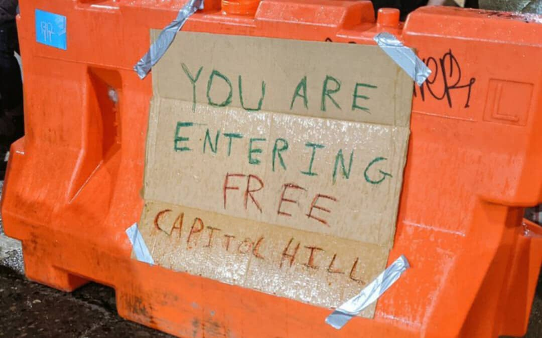 """Поглед в сиатълската """"Автономна зона Capitol Hill"""""""